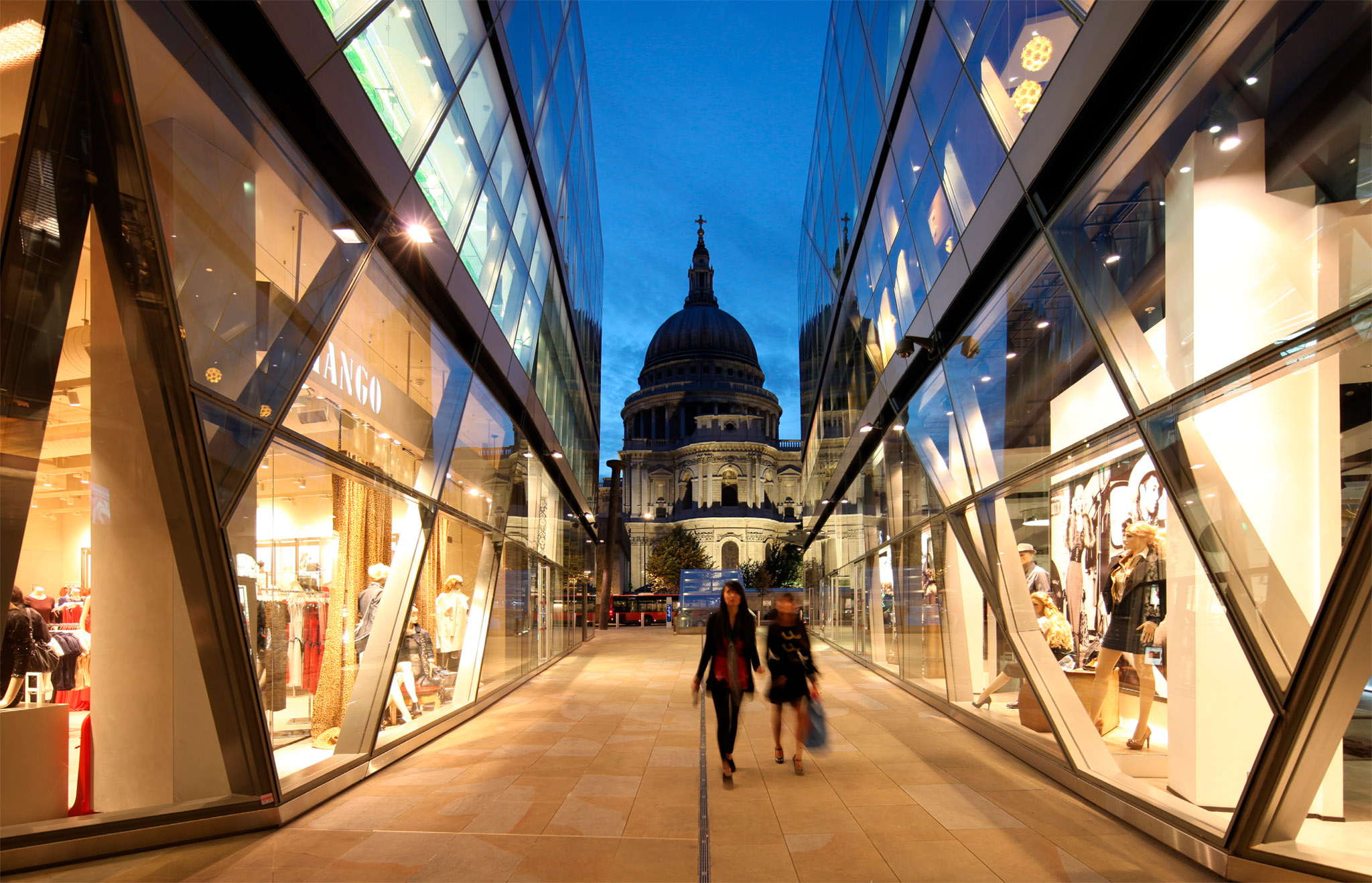 Experience London With A Complete Travel Guide And Information